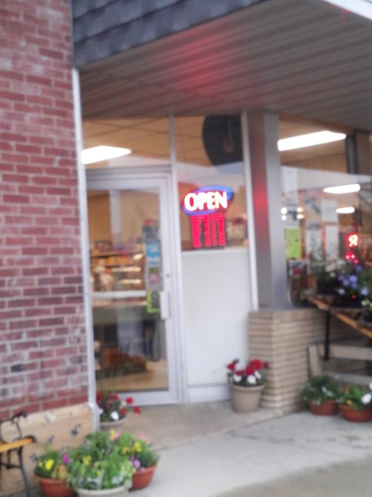 Stier Grocery: Grand Meadow, MN