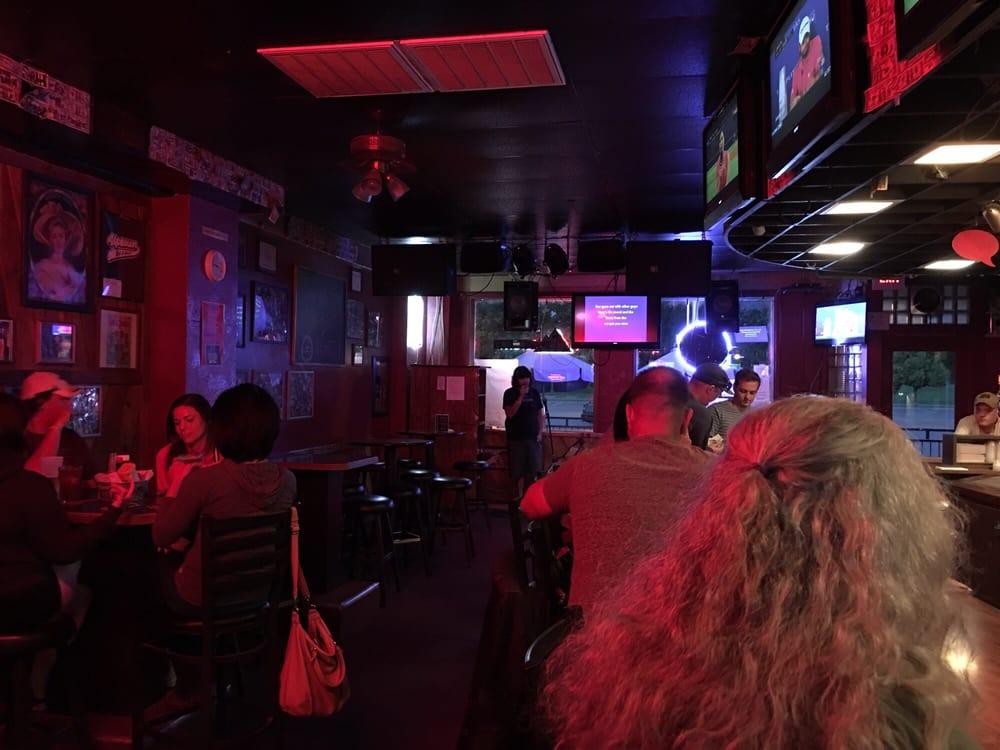 Uptown Bar & Grill: 1373 George Washington Way, Richland, WA
