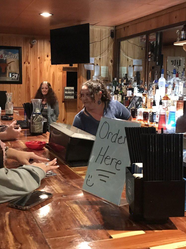 Copperhead Bar: 402 E Jm Lindsay Blvd, Lindsay, TX