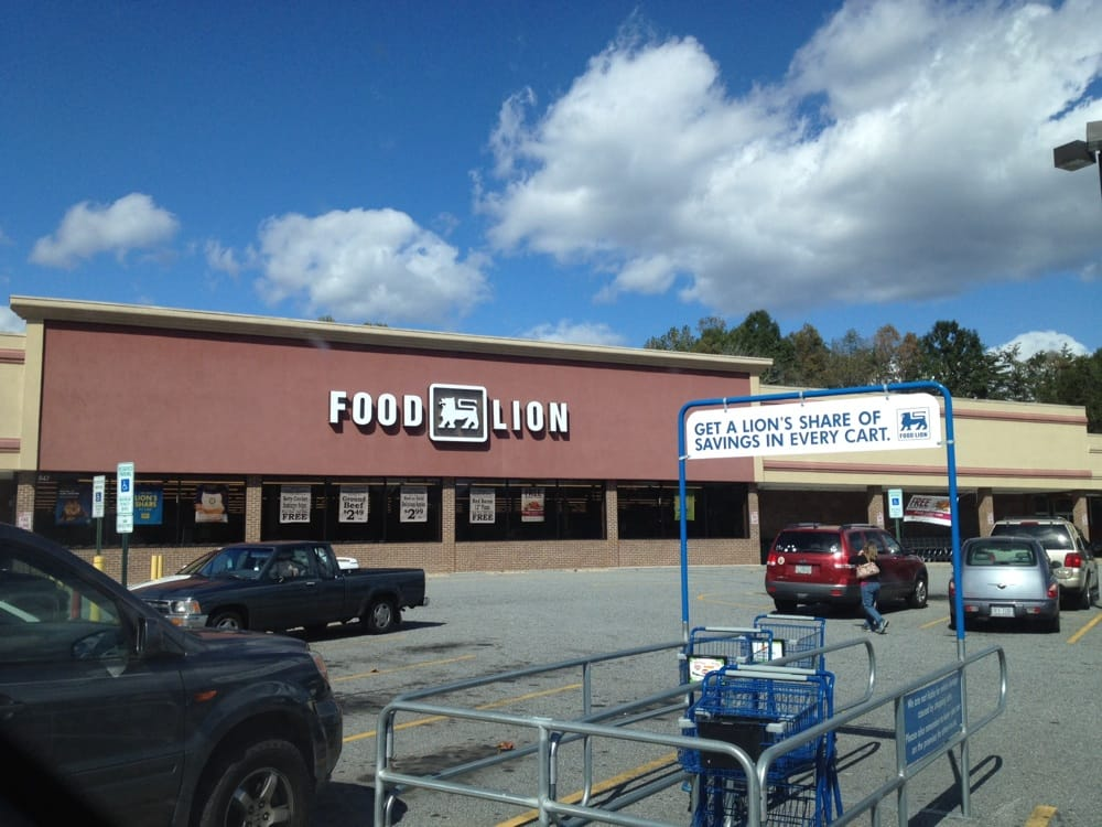 Food Lion: 847 Wilkesboro Blvd NE, Lenoir, NC