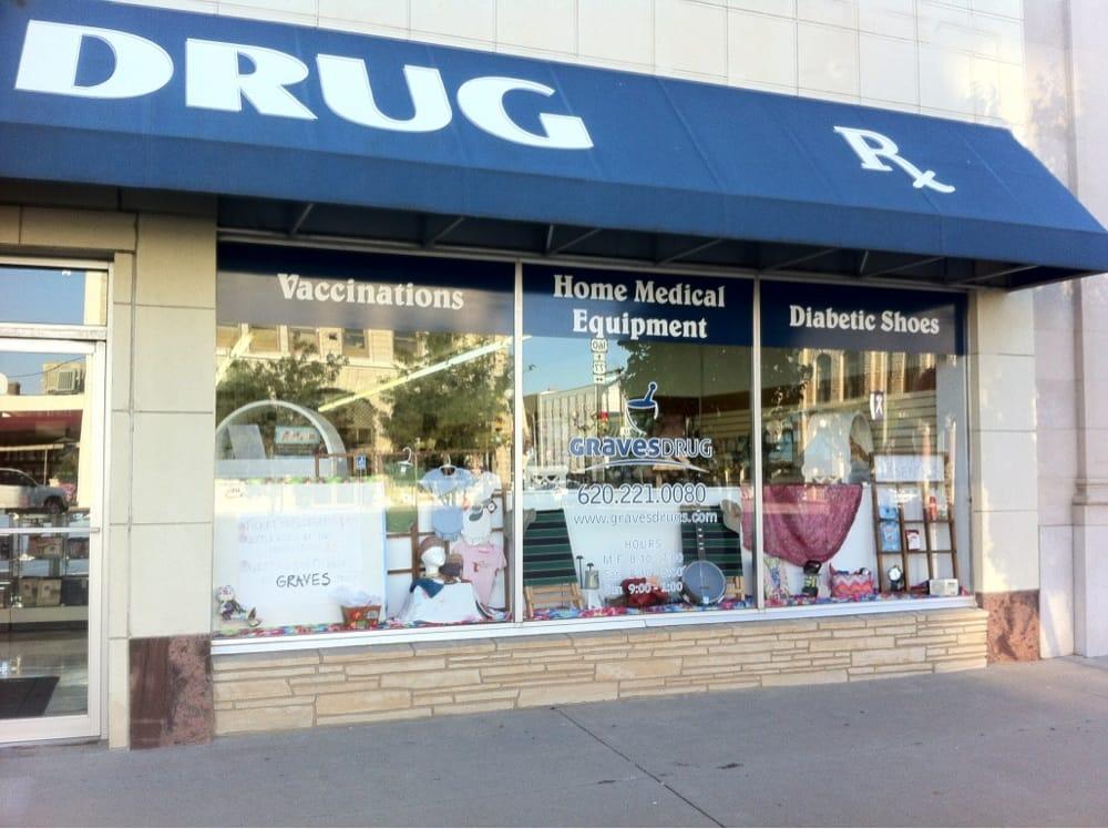 Photo of Graves Drug Store: Winfield, KS