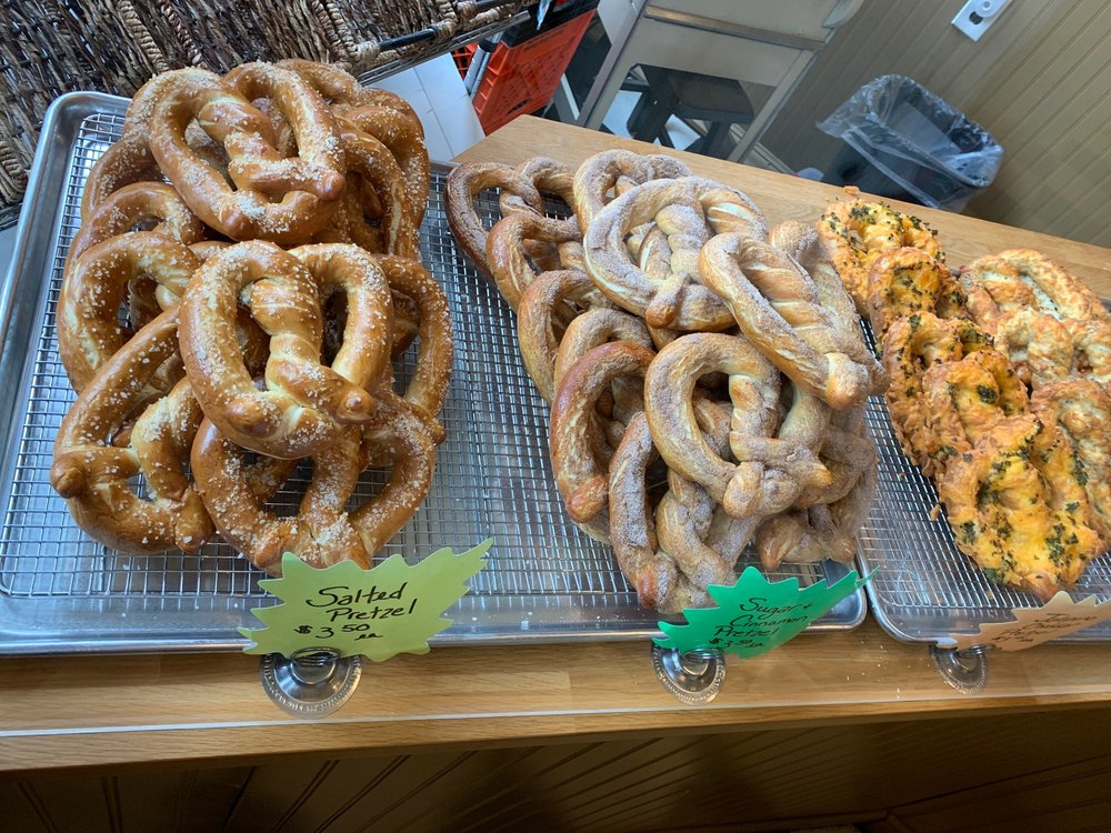 Two Fraus Bakery: 235 Mercer St, Harmony, PA