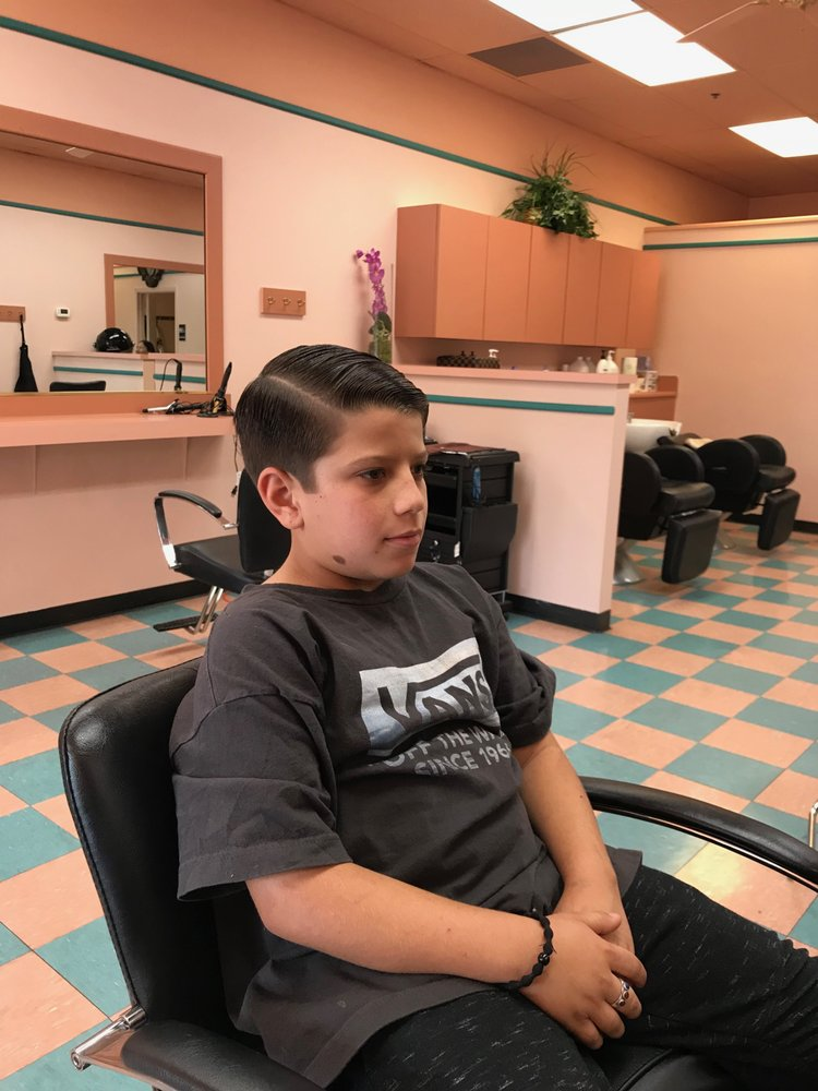 Best Clips Salon: 3535 Elverta Road Ste B, Antelope, CA