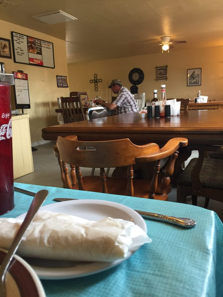 Gracia's Cafe: 402 W Washington Ave, Morton, TX
