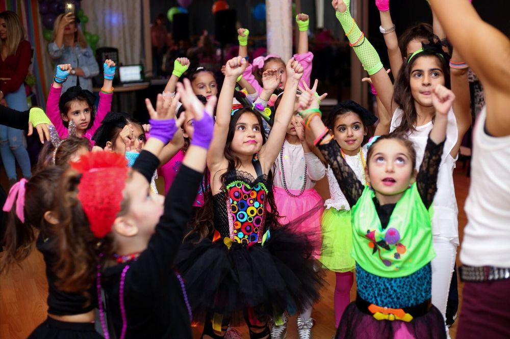 Santa Monica Dance Parties: 709 Lincoln Blvd, Venice, CA
