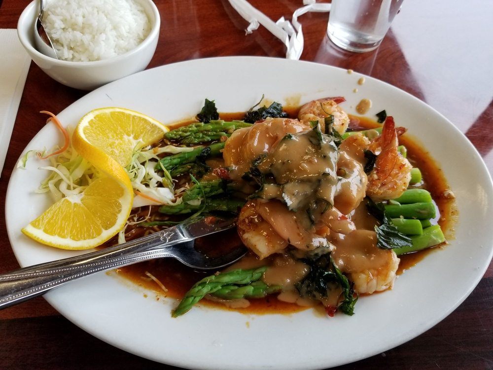 7 Seven Thai Restaurant: 764 NW Garden Valley Blvd, Roseburg, OR