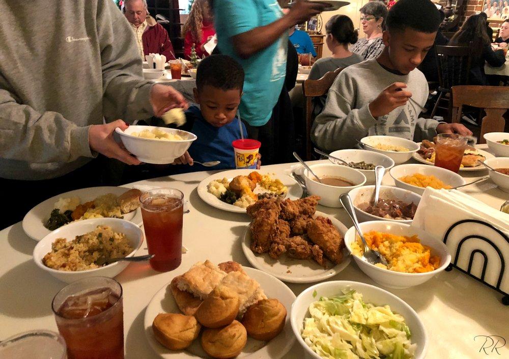 Mrs. Wilkes' Dining Room: 107 W Jones St, Savannah, GA