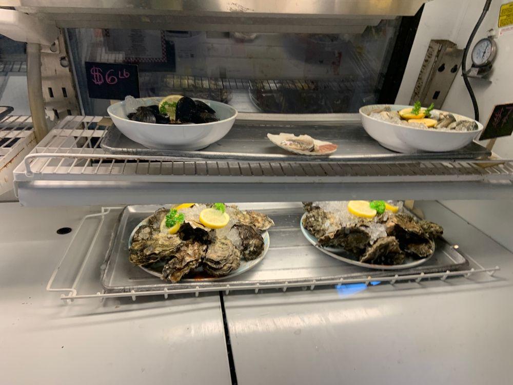 Mad Jax Seafood: 3532 Chicken Coop Rd, Sequim, WA