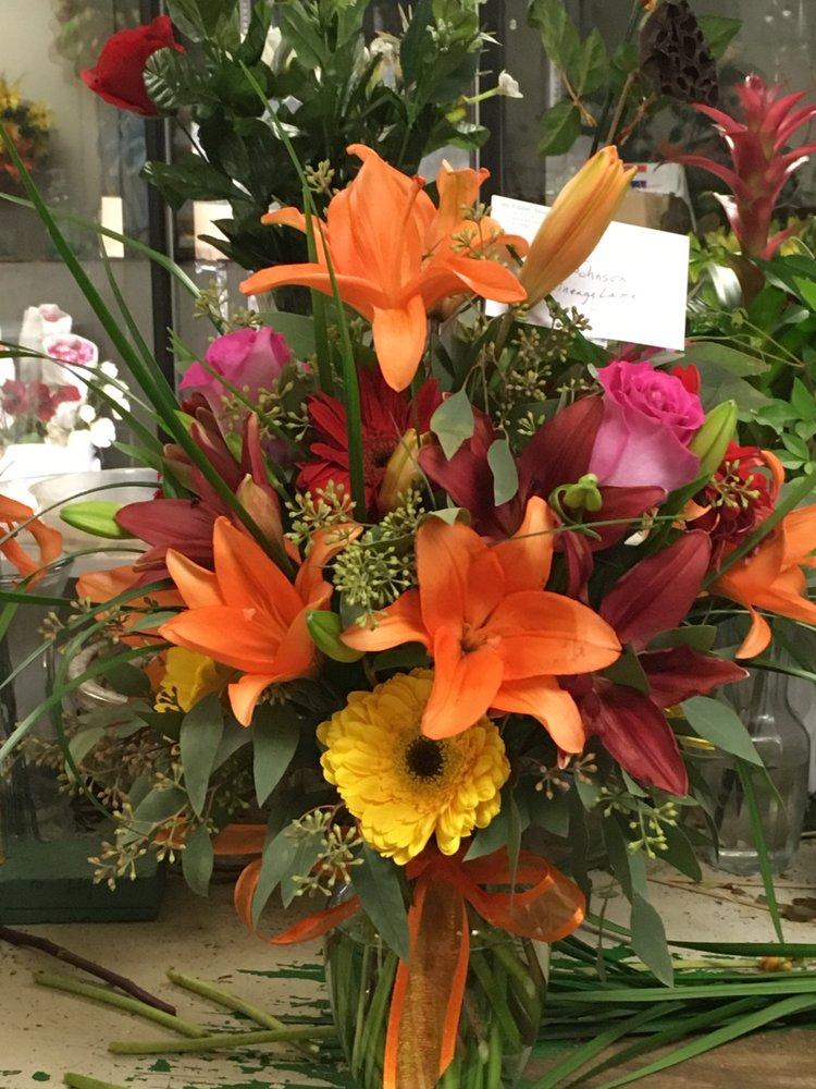 Joy Flower Shoppe: 1040 N Flowood Dr, Jackson, MS