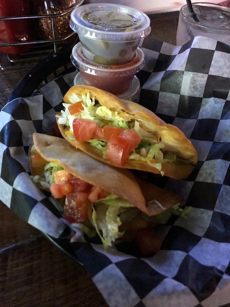 Dudley's Sports Bar & Grill: 8550 W 21st St N, Wichita, KS
