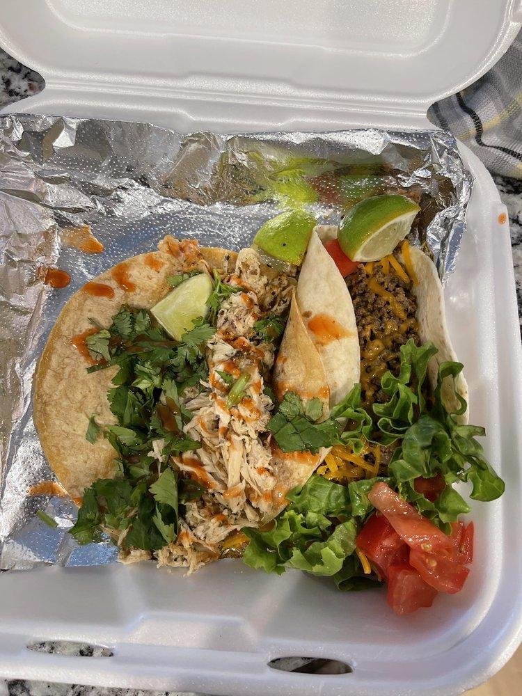 Sissy's Tacos: 580 N Bardstown Rd, Mount Washington, KY