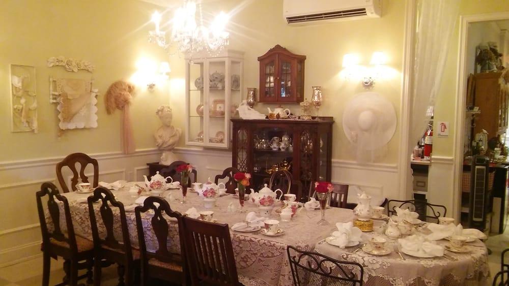 Grand Tea Room Escondido