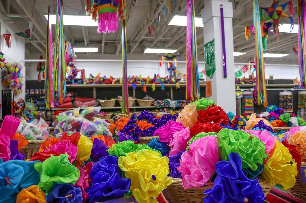 Amols Party Amp Fiesta Supplies 75 Photos Amp 42 Reviews