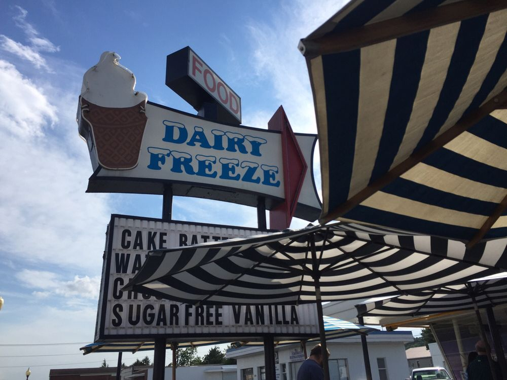 Dairy Freeze: 910 Main St, Altavista, VA