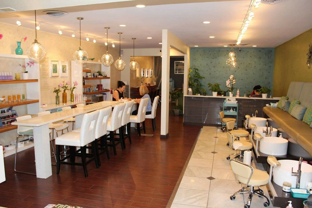 Essence Nail Lounge: 162 St Paul St, Denver, CO