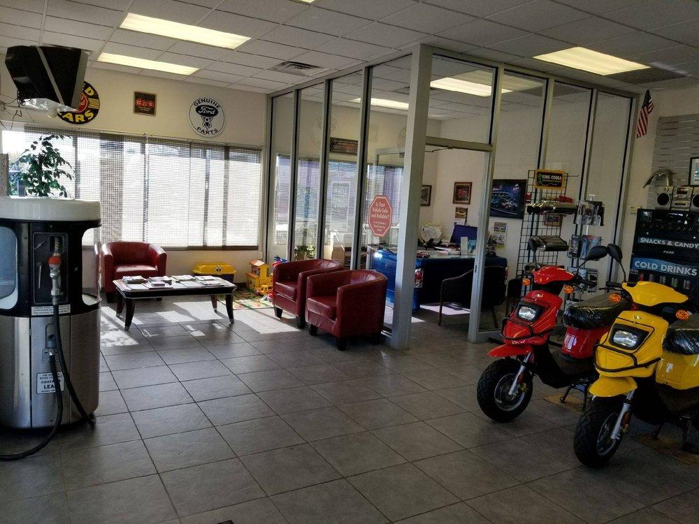 Turn Key Auto Sales & Service: 2265 Omro Rd, Oshkosh, WI
