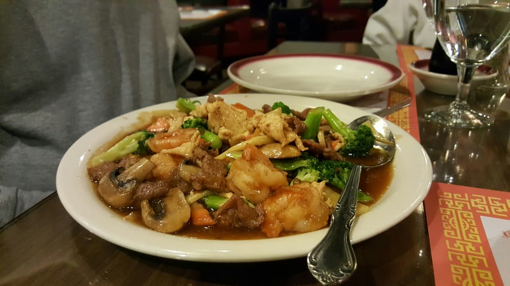 Hunan Chinese Restaurant: 2727 W 2nd St, Hastings, NE