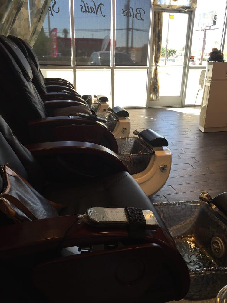 Bliss nail spa 144 fotos y 126 rese as manicura y for 50th avenue salon quartz hill ca