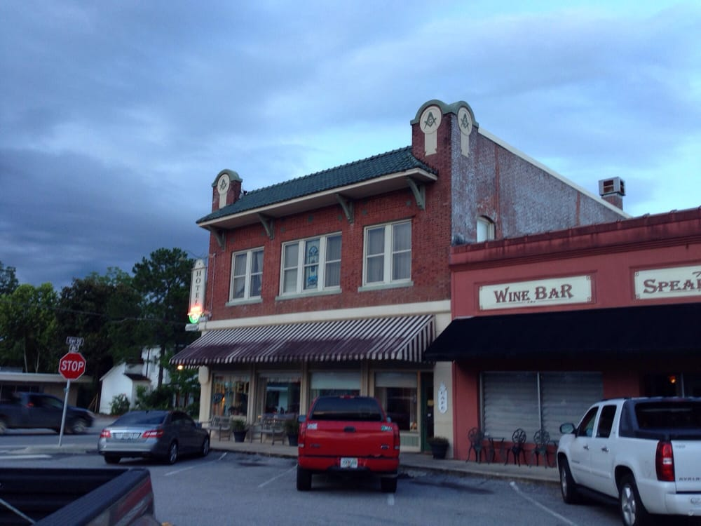 Hotel Defuniak Closed 22 Photos 16 Reviews Hotels 400 E Nelson Ave Defuniak Springs