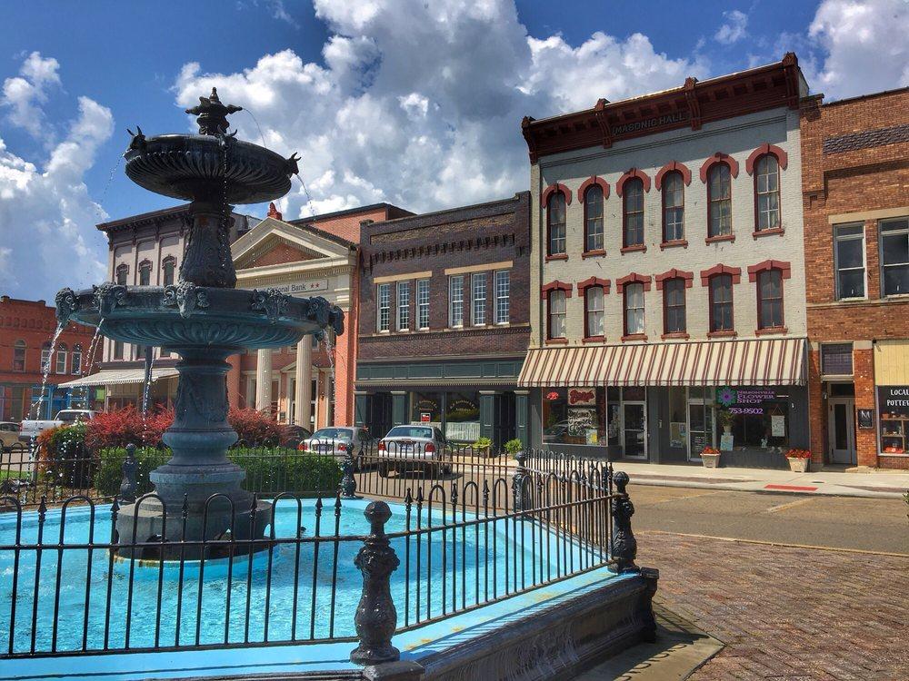 Nelsonville Flower Shop: 25 Public Square, Nelsonville, OH