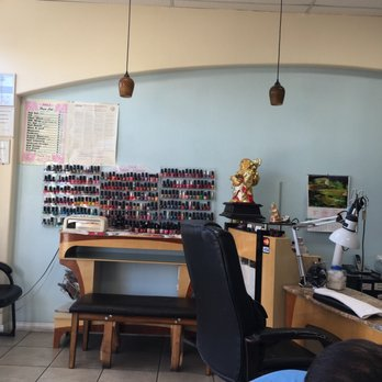 Custom nail spa 24 photos 11 reviews nail salons for Acton nail salon