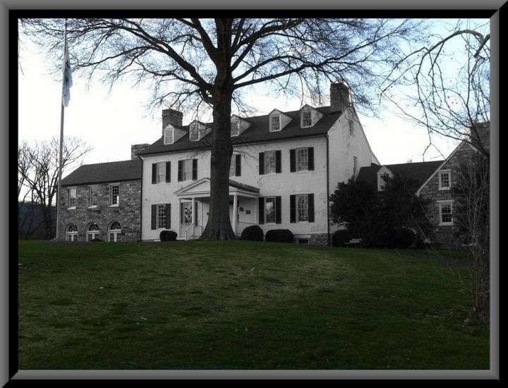 Evergreen Manor House: 15900 Berkeley Dr, Haymarket, VA