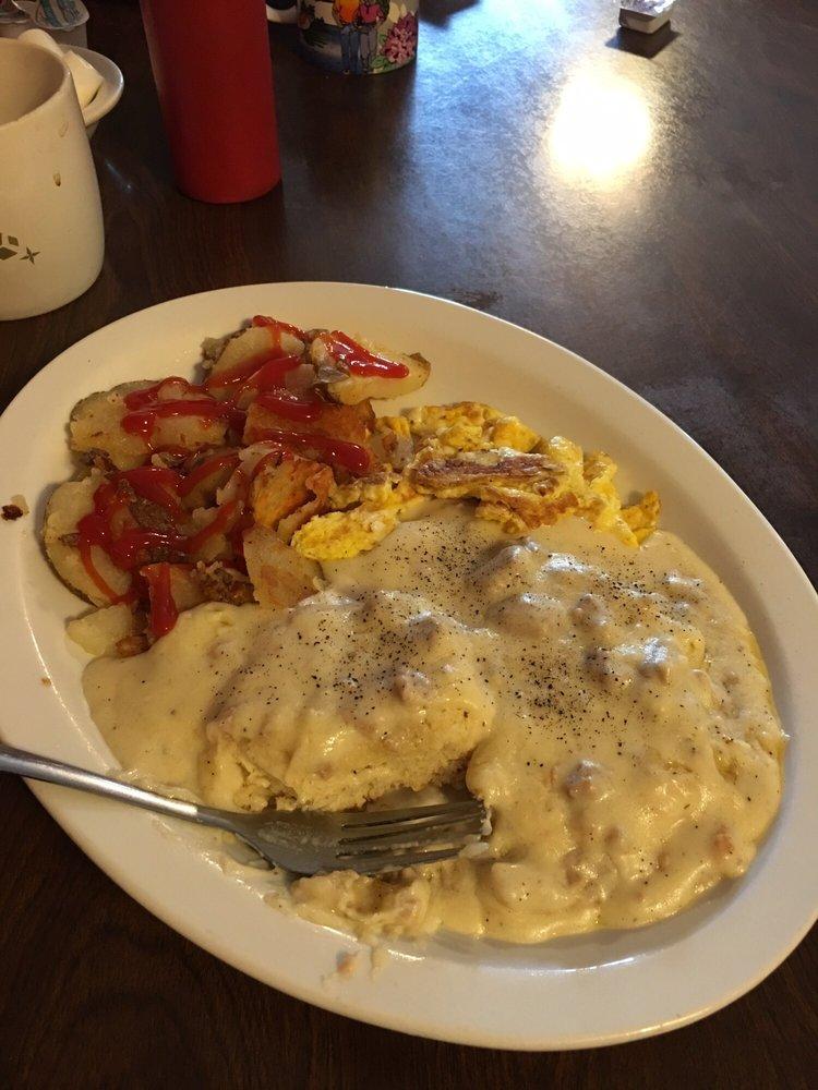 Melanie's Family Restaurant: 25164 George Washington Hwy, Eglon, WV