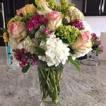 Photo of Arrowhead Flowers - Glendale, AZ, United States. Based on the Fashionista