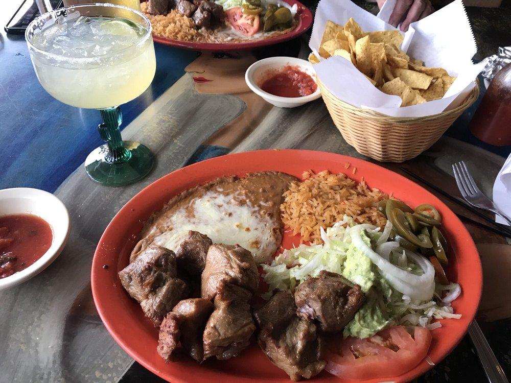 La Cabana Mexican Restaurant: 2617 1st Ave E, Newton, IA