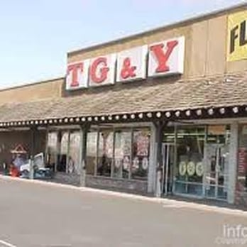 Furniture 2000 25 Photos 14 Reviews Furniture Stores 777 Sebastopol Rd Santa Rosa Ca