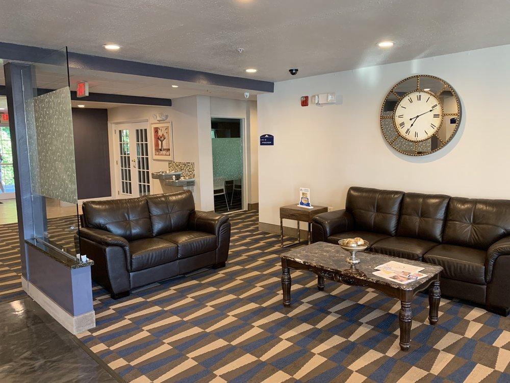 Microtel Inn & Suites by Wyndham Bremen: 104 Price Creek Rd, Bremen, GA
