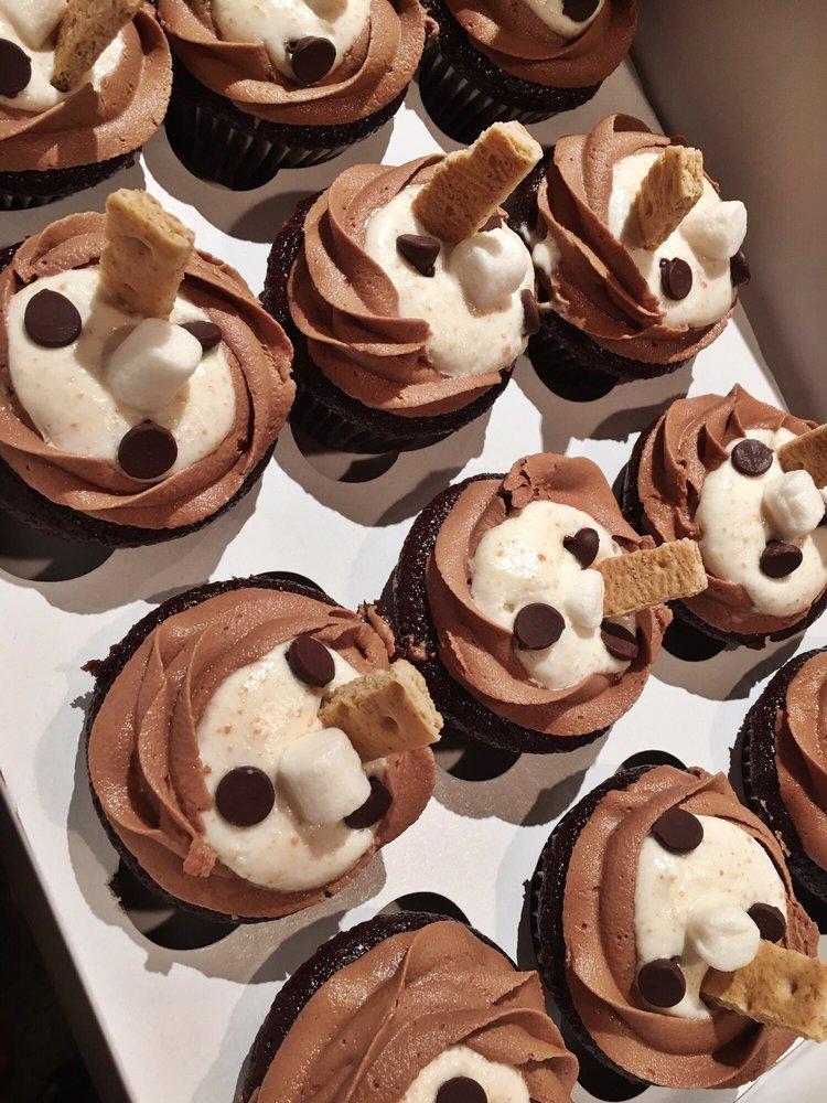 Abby Girl Sweets Cupcakery: 4773 Glendale Milford Rd, Cincinnati, OH