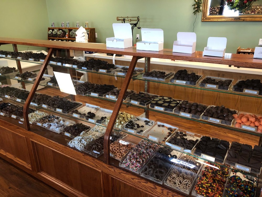 Bankhead Chocolates: 810 N Business Hwy 61, Bowling Green, MO