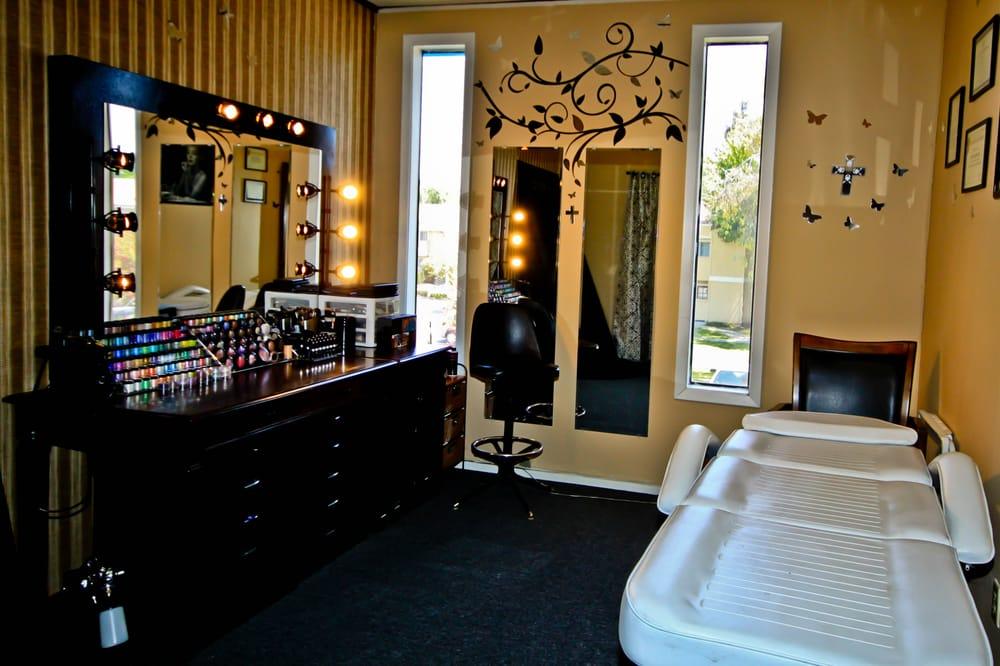 Makeup Artist Room - Yelp on Make Up Room Design  id=45894