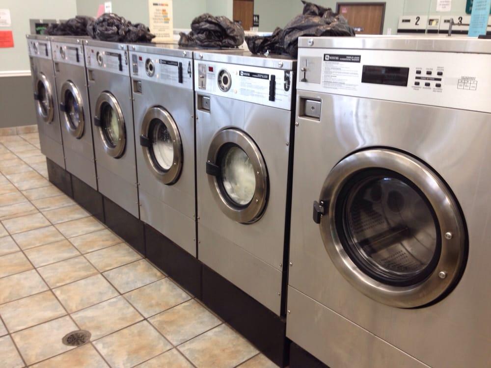 Laundromax: 22181 Middlebelt Rd, Farmington Hills, MI