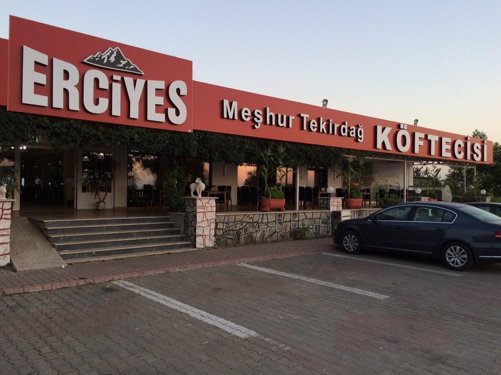 Erciyes k ftecisi boulettes de viande erciyes for Table 6 km turquie