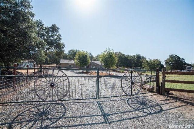 Ponytail Salon: 11408 Loma Rica Rd, Loma Rica, CA