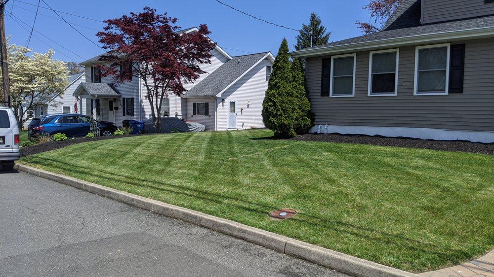 Affordable Senior Citizen Lawn Care: Middletown, NJ