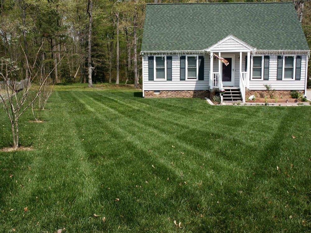 Weeded Lawn Service: 10286 Staples Mill Rd, Glen Allen, VA