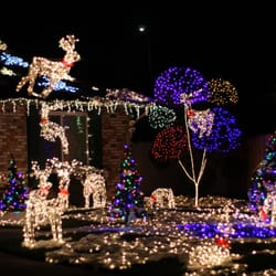 The Olsen Christmas Light Display - Local Flavor - 595 Amboy Dr ...