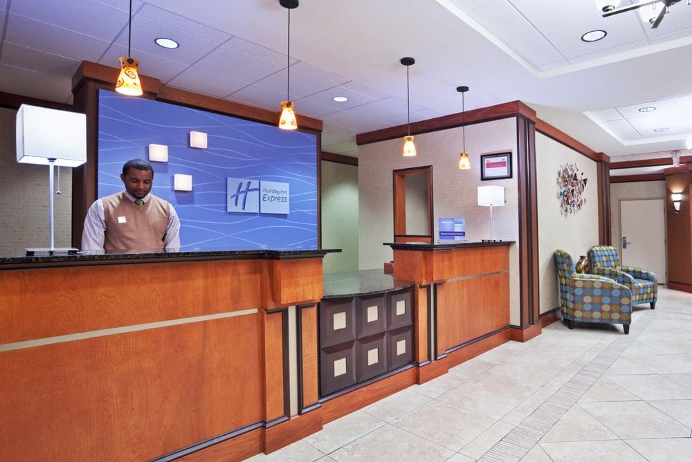 Holiday Inn Express & Suites Cincinnati - Mason: 5100 Natorp Blvd, Mason, OH