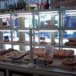 Photo de Le Fournil de Marius , Toulouse, France. Intérieur boulangerie