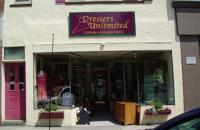 Dressers Unlimited: 77 Main St, Plymouth, NH