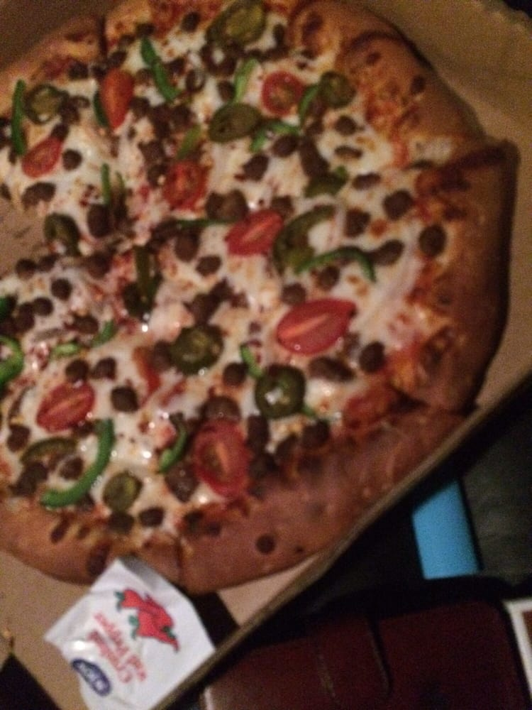 MR Pizza N More: 112 Aransas Pass St, Alice, TX