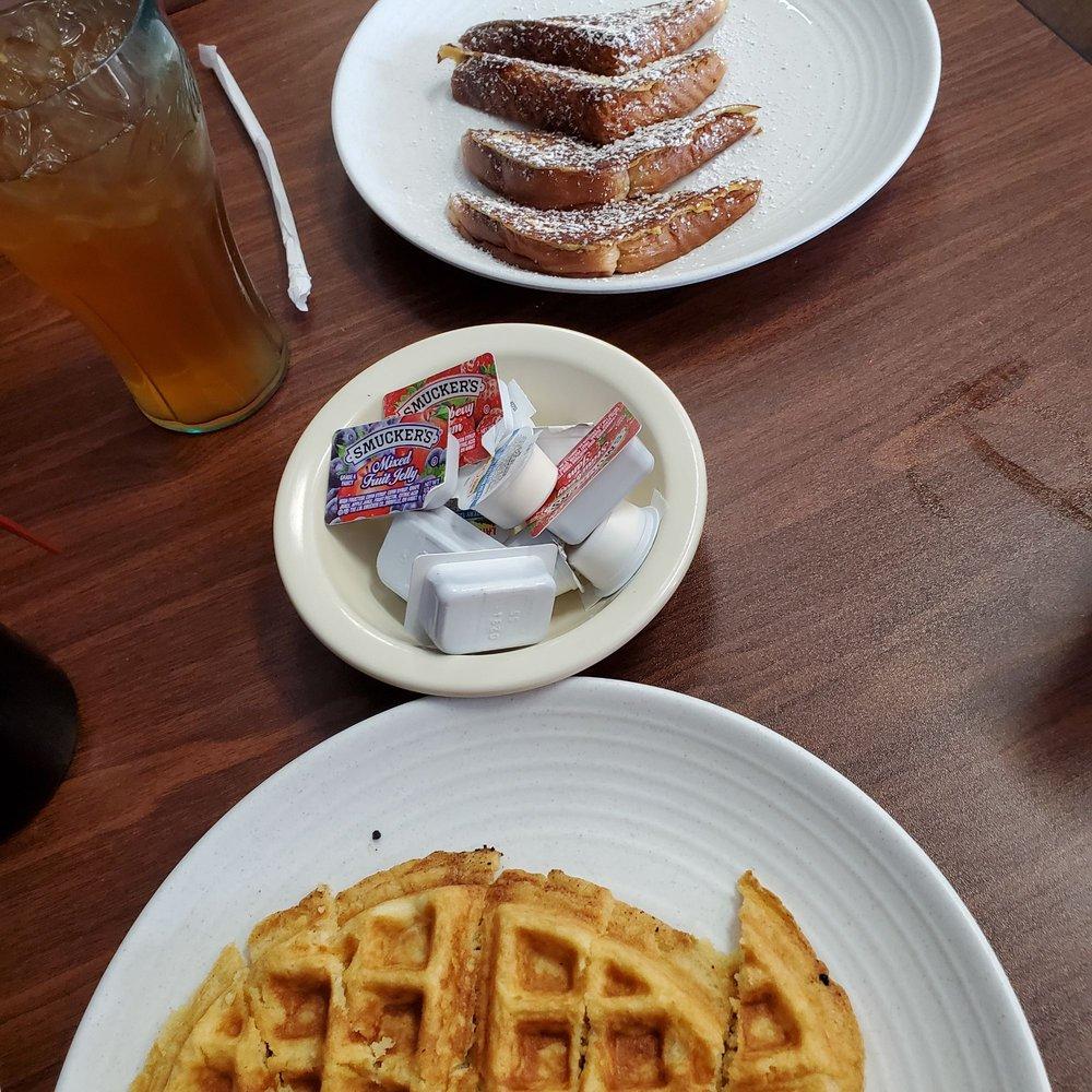 Main Street Restaurant: 1142 Athens Hwy, Grayson, GA