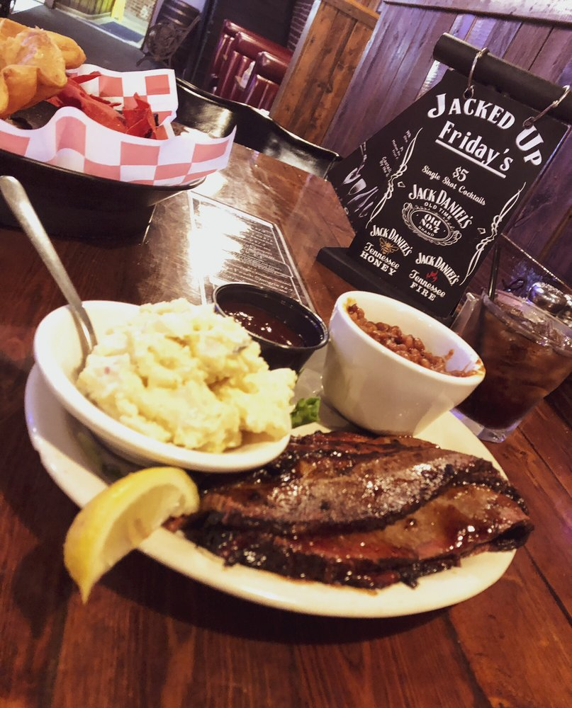 Lanning's Downtown Grill: 111 W 9th St, Coffeyville, KS