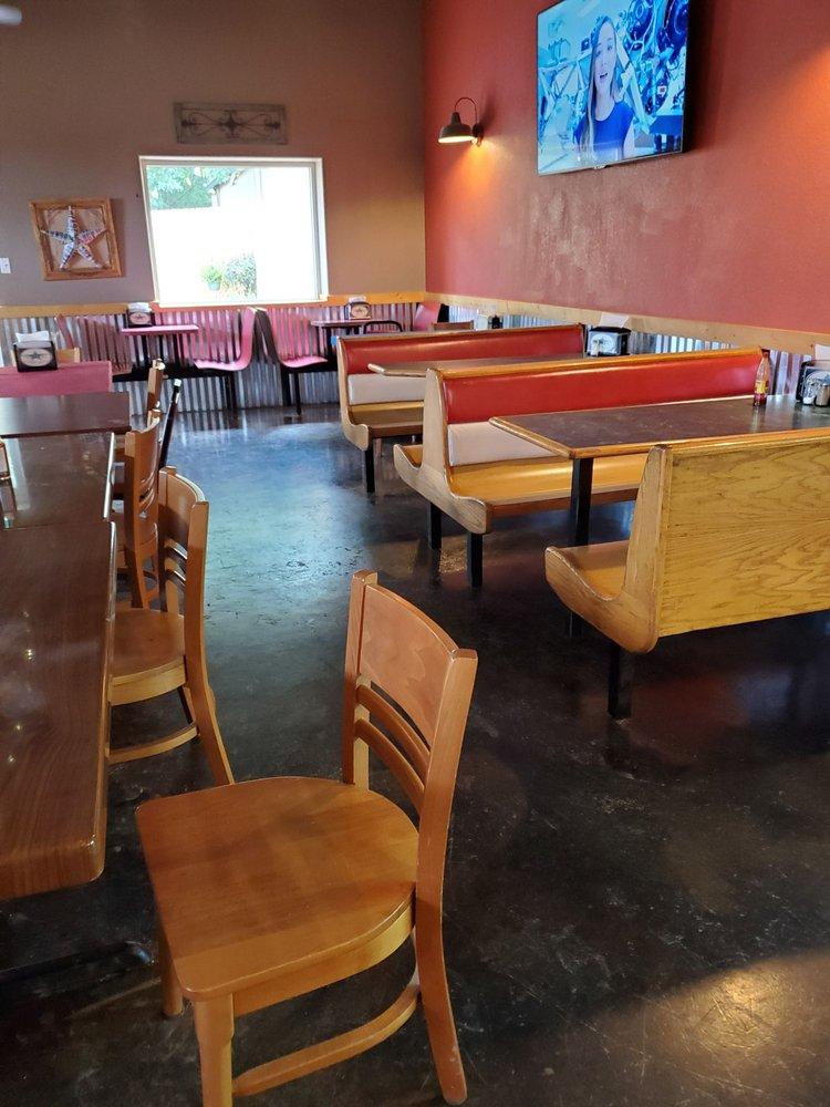 DeLaughter Grocery & Deli: 406 Houston St, Maud, TX