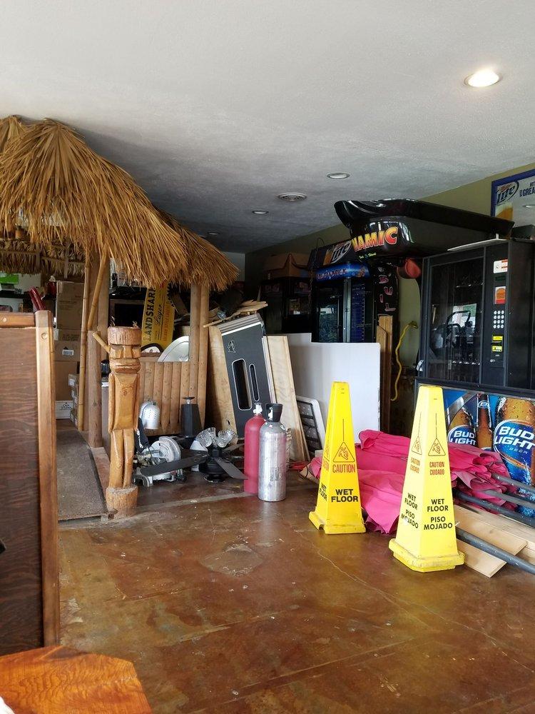 Sandbar Restaurant & Lounge: 5263 E Lake Road 65 W, Monticello, IN