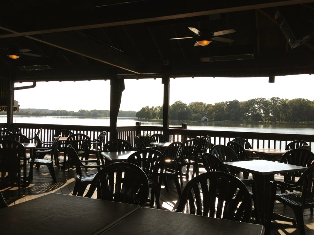 Outside seating and boat dock at Mariners on Sibley Lake ...