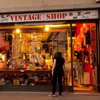 Vintage shop 30 foto antiquari e restauratori alzaia for Antiquari a milano